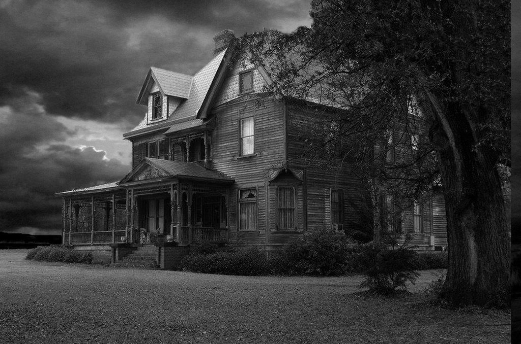 Haunted House background by mysticmorning